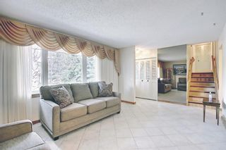 Photo 4: 3203 Oakwood Drive SW in Calgary: Oakridge Detached for sale : MLS®# A1109822