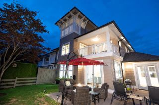"""Photo 1: 31 19452 FRASER Way in Pitt Meadows: South Meadows Townhouse for sale in """"SHORELINE"""" : MLS®# R2602857"""