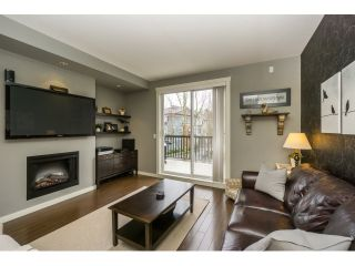 """Photo 5: 77 18983 72A Avenue in Surrey: Clayton Townhouse for sale in """"KEW"""" (Cloverdale)  : MLS®# R2034361"""