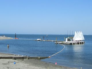 """Photo 37: 2826 MCBRIDE Avenue in Surrey: Crescent Bch Ocean Pk. House for sale in """"Crescent Beach"""" (South Surrey White Rock)  : MLS®# F1404362"""
