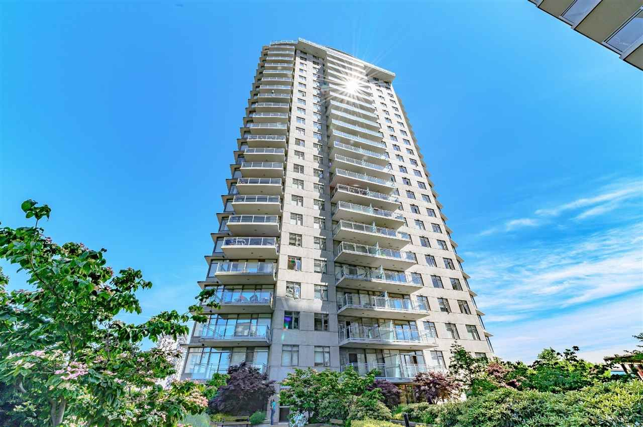 "Main Photo: 2010 892 CARNARVON Street in New Westminster: Downtown NW Condo for sale in ""AZURE II AT PLAZA 88"" : MLS®# R2461243"
