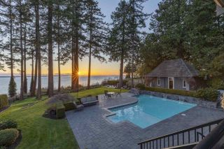 Photo 3: 1961 OCEAN PARK Road in Surrey: Crescent Bch Ocean Pk. House for sale (South Surrey White Rock)  : MLS®# R2559309