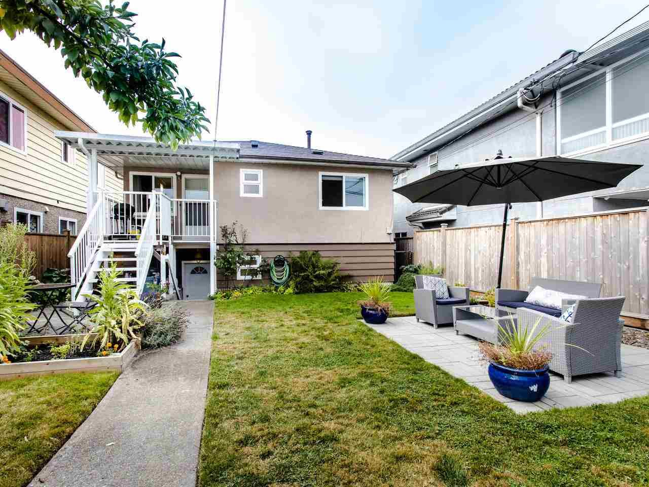 Photo 16: Photos: 4653 UNION STREET in Burnaby: Capitol Hill BN House for sale (Burnaby North)  : MLS®# R2493161