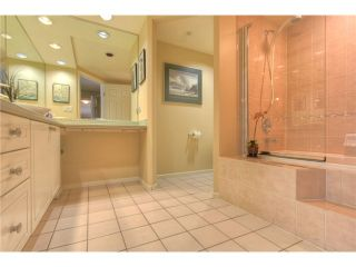 """Photo 9: 212 3690 BANFF Court in North Vancouver: Northlands Condo for sale in """"PARKGATE MANOR"""" : MLS®# V843852"""