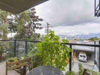 Photo 4: 202 111 W 10TH Avenue in Vancouver: Mount Pleasant VW Condo for sale (Vancouver West)  : MLS®# R2208429