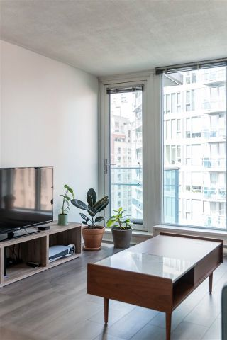 "Photo 5: 1201 233 ROBSON Street in Vancouver: Downtown VW Condo for sale in ""TV Towers 2"" (Vancouver West)  : MLS®# R2562726"