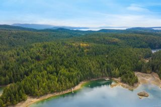 Photo 8: 979 Thunder Rd in Cortes Island: Isl Cortes Island House for sale (Islands)  : MLS®# 878691