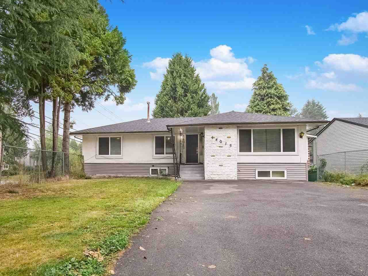 Main Photo: 14015 79A Avenue in Surrey: East Newton House for sale : MLS®# R2497382
