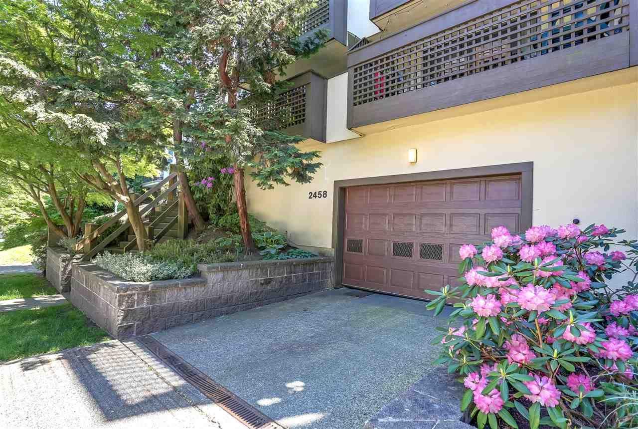 Main Photo: 104 2458 YORK Avenue in Vancouver: Kitsilano Condo for sale (Vancouver West)  : MLS®# R2270645