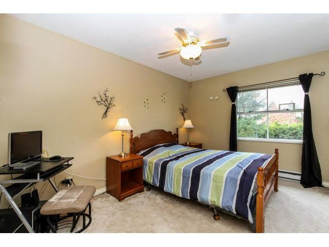 """Photo 12: Photos: 29 5666 208TH Street in Langley: Langley City Townhouse for sale in """"THE MEADOWS"""" : MLS®# F1437593"""