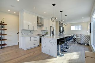 Main Photo: 2202 36 Street SW in Calgary: Killarney/Glengarry Row/Townhouse for sale : MLS®# A1071711