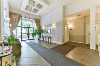 "Photo 2: 407 777 EIGHTH Street in New Westminster: Uptown NW Condo for sale in ""Moody Gardens"" : MLS®# R2479408"
