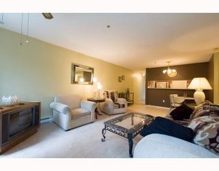 "Photo 4: 101 8728 MARINE Drive in Vancouver: Marpole Condo for sale in ""RIVERVIEW COURT"" (Vancouver West)  : MLS®# V794426"