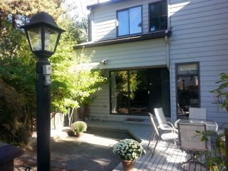 """Photo 1: 11 3350 ROSEMONT Drive in Vancouver: Champlain Heights Townhouse for sale in """"APENWOOD"""" (Vancouver East)  : MLS®# R2233904"""