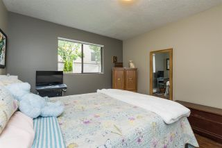 """Photo 15: 106 1442 BLACKWOOD Street: White Rock Condo for sale in """"BLACKWOOD MANOR"""" (South Surrey White Rock)  : MLS®# R2380049"""