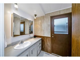 """Photo 22: 108 15875 20 Avenue in Surrey: King George Corridor Manufactured Home for sale in """"Sea Ridge Bays"""" (South Surrey White Rock)  : MLS®# R2512573"""
