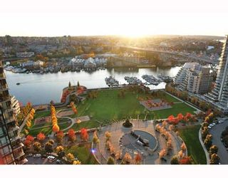 """Main Photo: 2902 1438 RICHARDS Street in Vancouver: False Creek North Condo for sale in """"AZURA 1"""" (Vancouver West)  : MLS®# SOLD"""