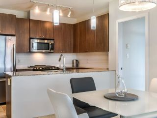 """Photo 11: 2002 280 ROSS Drive in New Westminster: Fraserview NW Condo for sale in """"The Carlyle"""" : MLS®# R2577017"""