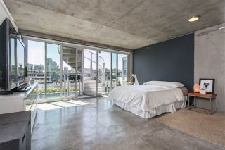 """Photo 9: 512 1540 W 2ND Avenue in Vancouver: False Creek Condo for sale in """"WATERFALL BUILDING BY ARTHER ERI"""" (Vancouver West)  : MLS®# R2186544"""