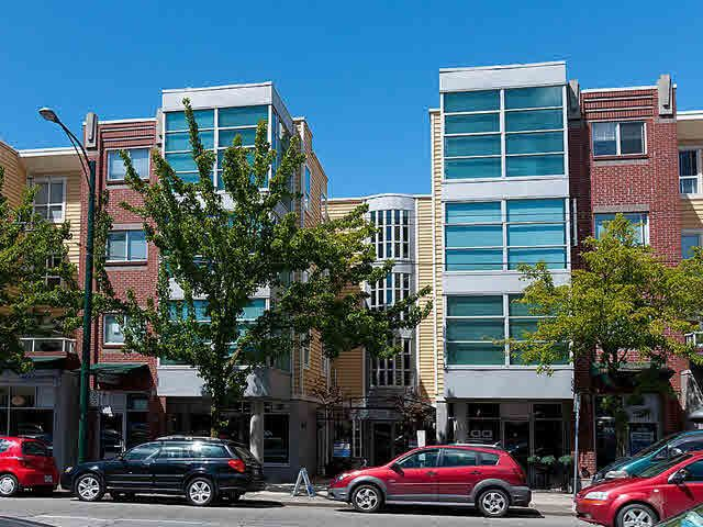 "Photo 1: Photos: 104 2929 W 4TH Avenue in Vancouver: Kitsilano Condo for sale in ""THE MADISON"" (Vancouver West)  : MLS®# V1122128"