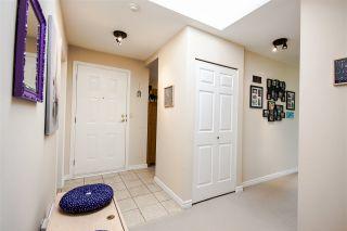 Photo 2: 301 1467 MARTIN Street: White Rock Condo for sale (South Surrey White Rock)  : MLS®# R2047854