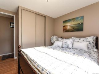 Photo 17: 18 1240 WILKINSON ROAD in COMOX: CV Comox Peninsula Manufactured Home for sale (Comox Valley)  : MLS®# 780089