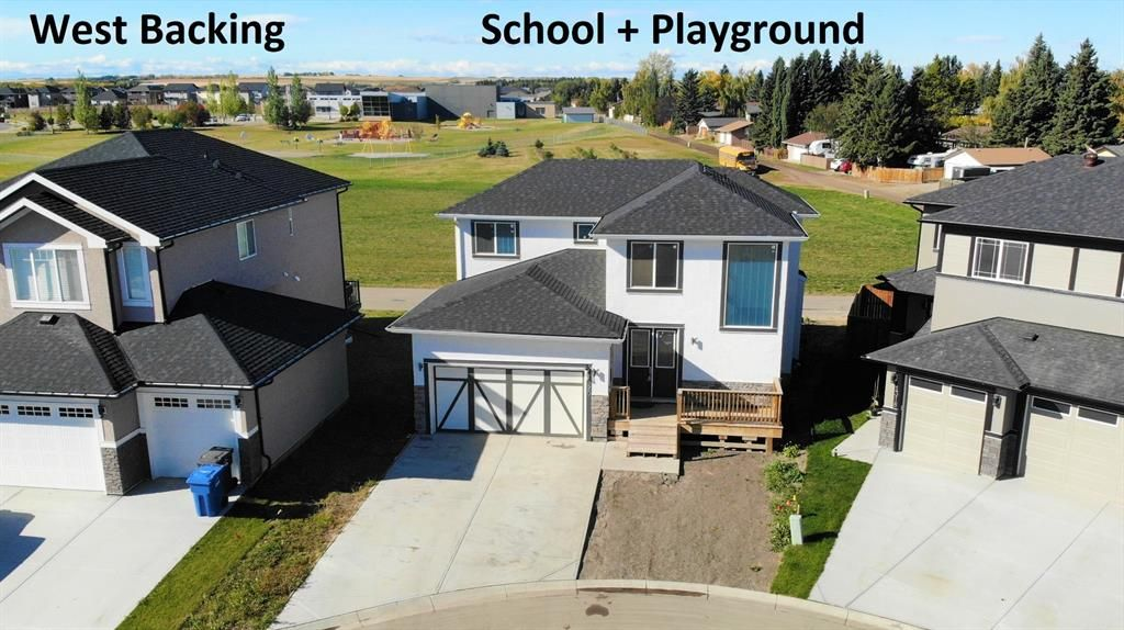 Main Photo: 1320 Lackner Boulevard: Carstairs Detached for sale : MLS®# A1043226