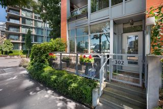"""Photo 1: 302 W 1ST Avenue in Vancouver: False Creek Townhouse for sale in """"FOUNDRY"""" (Vancouver West)  : MLS®# R2625350"""