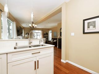 Photo 10: 1 2311 Watkiss Way in VICTORIA: VR Hospital Row/Townhouse for sale (View Royal)  : MLS®# 821869