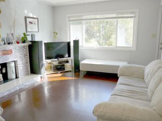 "Photo 3: 5267 HOY Street in Vancouver: Collingwood VE House for sale in ""COLLINGWOOD"" (Vancouver East)  : MLS®# R2542191"