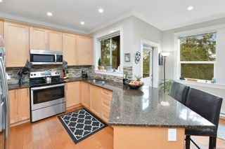 Photo 4: 796 Braveheart Lane in : Co Triangle House for sale (Colwood)  : MLS®# 869914