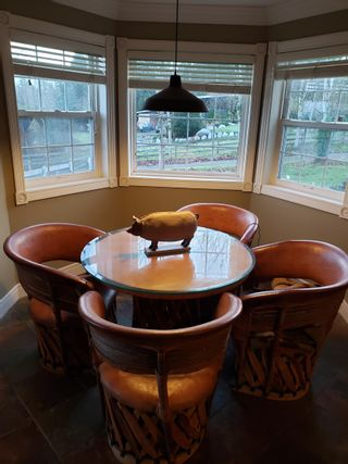Photo 4: 17261 31 Avenue in Surrey: Grandview Surrey House for sale (South Surrey White Rock)  : MLS®# R2621243