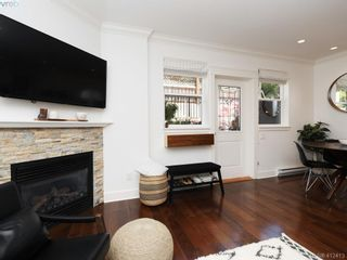 Photo 3: 2 1146 Richardson St in VICTORIA: Vi Fairfield West Condo for sale (Victoria)  : MLS®# 817792