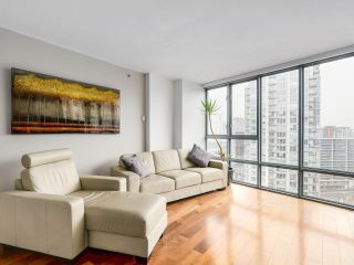"""Photo 5: 2202 930 CAMBIE Street in Vancouver: Yaletown Condo for sale in """"PACIFIC PLACE LANDMARK 2"""" (Vancouver West)  : MLS®# R2161898"""