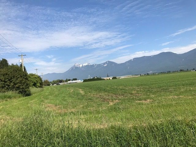 FEATURED LISTING: 47165 YALE Road Chilliwack