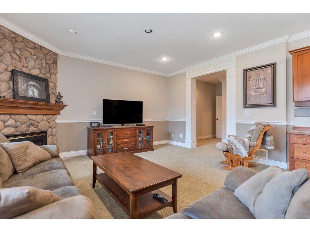 "Photo 14: Photos: 11617 CREEKSIDE Street in Maple Ridge: Cottonwood MR House for sale in ""Cottonwood"" : MLS®# R2554913"
