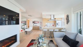 """Photo 4: 1402 1020 HARWOOD Street in Vancouver: West End VW Condo for sale in """"Crystalis"""" (Vancouver West)  : MLS®# R2598262"""