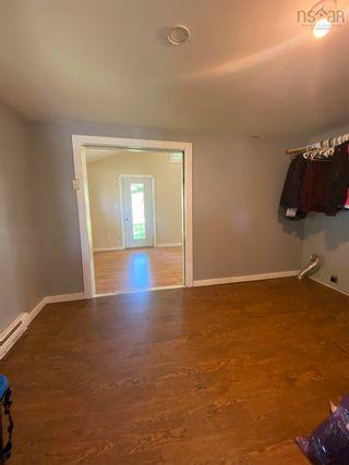 Photo 3: 82 King Street in Shelburne: 407-Shelburne County Residential for sale (South Shore)  : MLS®# 202123601
