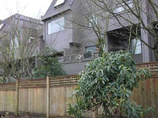 """Photo 1: 108 1990 W 6TH Avenue in Vancouver: Kitsilano Condo for sale in """"MAPLEVIEW PLACE"""" (Vancouver West)  : MLS®# V878026"""