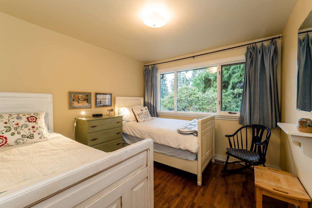 Photo 11: Photos: 3322 WAYNE Drive in North Vancouver: Delbrook House for sale : MLS®# R2045446