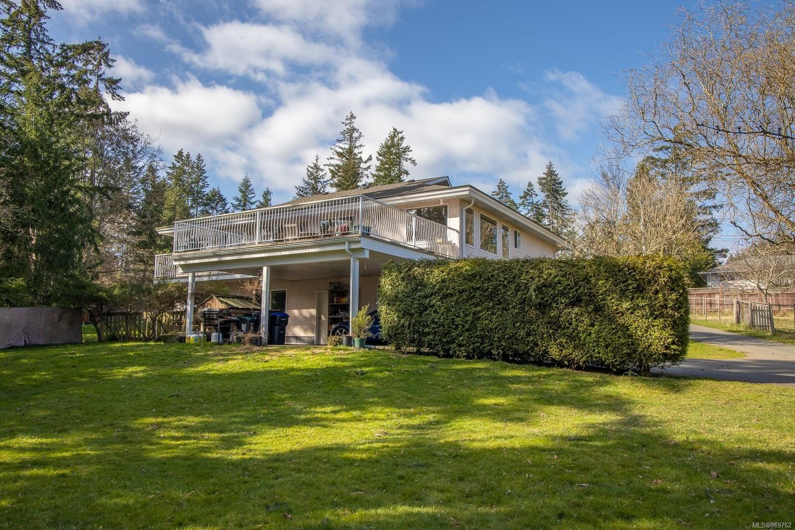 Main Photo: 2630 Kinghorn Rd in : PQ Nanoose House for sale (Parksville/Qualicum)  : MLS®# 869762