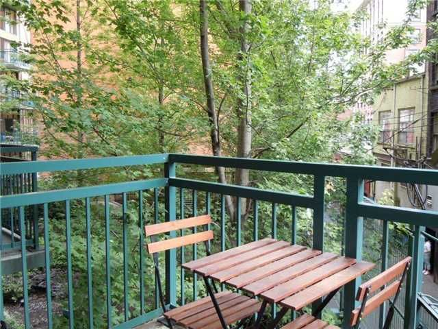 Photo 4: Photos: 219 22 E CORDOVA Street in Vancouver: Downtown VE Condo for sale (Vancouver East)  : MLS®# V936631