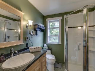 Photo 22: 3751 ROBLIN Place in North Vancouver: Princess Park House for sale : MLS®# R2485057