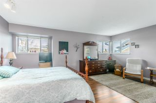 """Photo 14: 5346 LAUREL Way in Ladner: Hawthorne House for sale in """"Victory South"""" : MLS®# R2030940"""
