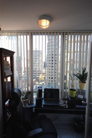 """Photo 10: 1906 1166 MELVILLE Street in Vancouver: Coal Harbour Condo for sale in """"COAL HARBOUR ORCA PLACE"""" (Vancouver West)  : MLS®# R2003587"""