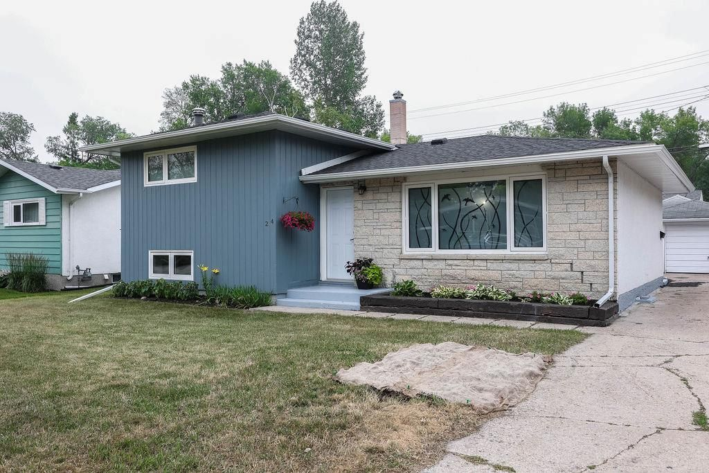 Main Photo: 24 Weaver Bay in Winnipeg: Norberry Residential for sale (2C)  : MLS®# 202117861
