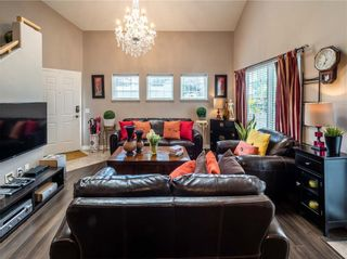 Photo 4: 901 1997 Sirocco Drive SW in Calgary: Residential for sale : MLS®# A1030389