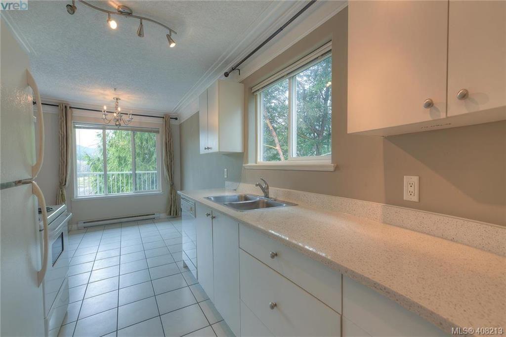 Photo 9: Photos: A & B 3232 Loledo Pl in VICTORIA: La Luxton Full Duplex for sale (Langford)  : MLS®# 811181