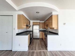 """Photo 8: 1602 1009 EXPO Boulevard in Vancouver: Yaletown Condo for sale in """"Landmark 33"""" (Vancouver West)  : MLS®# R2593362"""