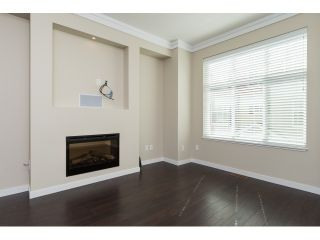 Photo 4: 66 3009 156 STREET in Surrey: Grandview Surrey Townhouse for sale (South Surrey White Rock)  : MLS®# R2056660